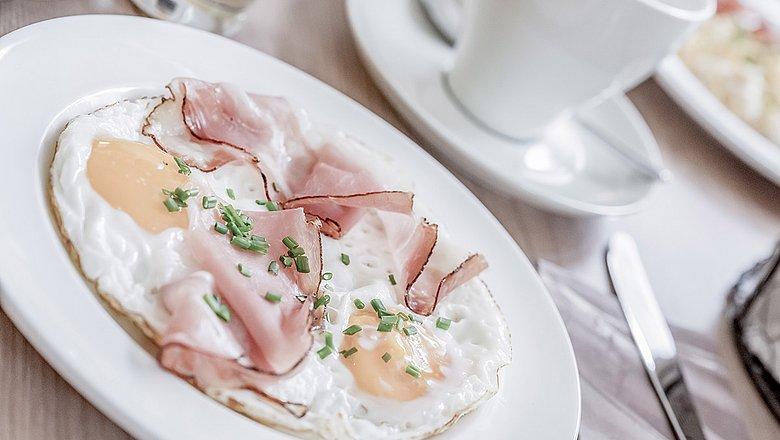 Reichhaltiges Frühstücksbuffet