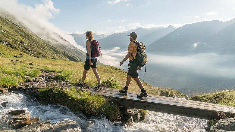 Hiking & mountaineering